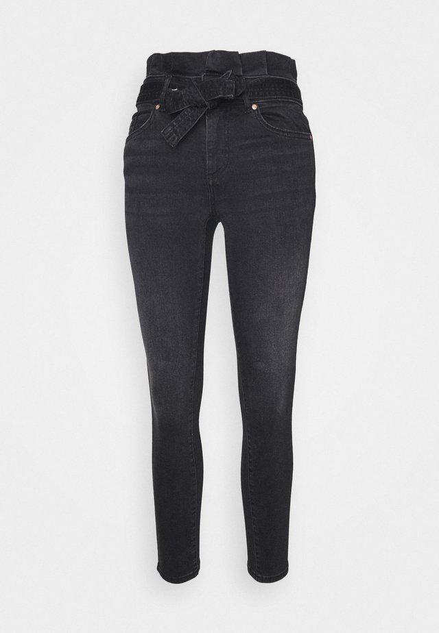 ONLHUSH LIFE PAPERBAG - Jeans Skinny Fit - black
