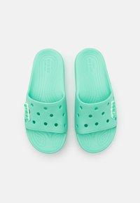 Crocs - CLASSIC SLIDE UNISEX - Pantofle - pistachio - 3