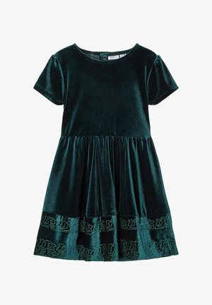 Day dress - green gables