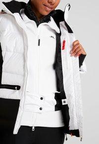 Icepeak - ELECTRA - Kurtka snowboardowa - optic white - 6