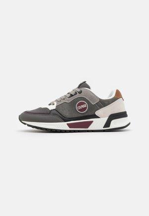 DALTON CROSS - Trainers - dark gray/light gray/plum