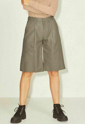 JXPEARL BERMUDA - Shorts - brindle