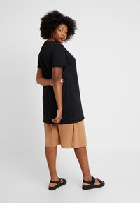 New Look Curves - LONGLINE TEE 2 PACK - Basic T-shirt - black - 2