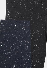 Cotton On - HUGGIE 2 PACK - Leggings - black/galactic sparkles - 3