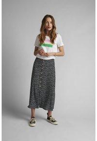 Nümph - NUCARLY SKIRT - Maxi skirt - black - 1