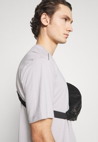 adidas Originals - TREFOIL TEE UNISEX - Print T-shirt - grey - 3