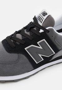 New Balance - Baskets basses - black/castlerock - 3