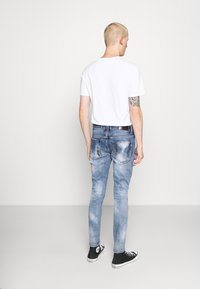 AMICCI - CALGARI CARROT FIT  - Jeans Tapered Fit - light blue - 2