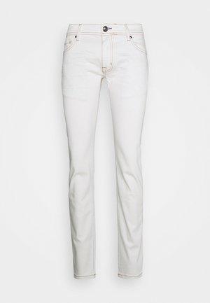 HAMOND  - Slim fit jeans - white