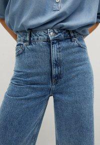 Mango - CAROLINE - Flared Jeans - middenblauw - 5