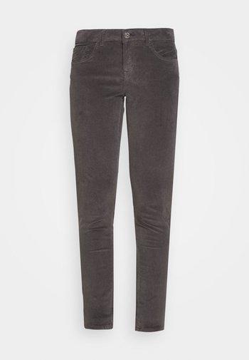 SUMNER PANT - Kalhoty - magnet