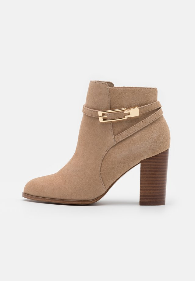 LEATHER - Ankle boots - nude