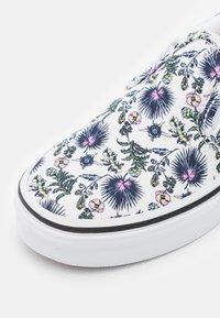 Vans - CLASSIC - Slip-ins - true white - 5