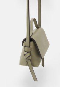 edc by Esprit - PIXIE MINI - Across body bag - light khaki - 3