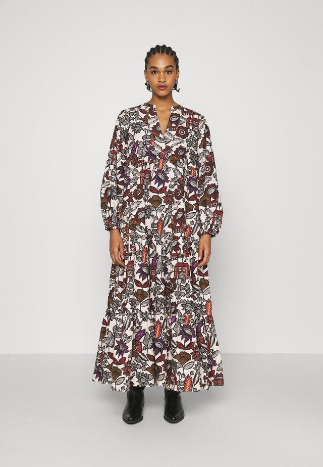 VOLUMINOUS PRINTED ORGANIC DRESS - Sukienka letnia - white/brown
