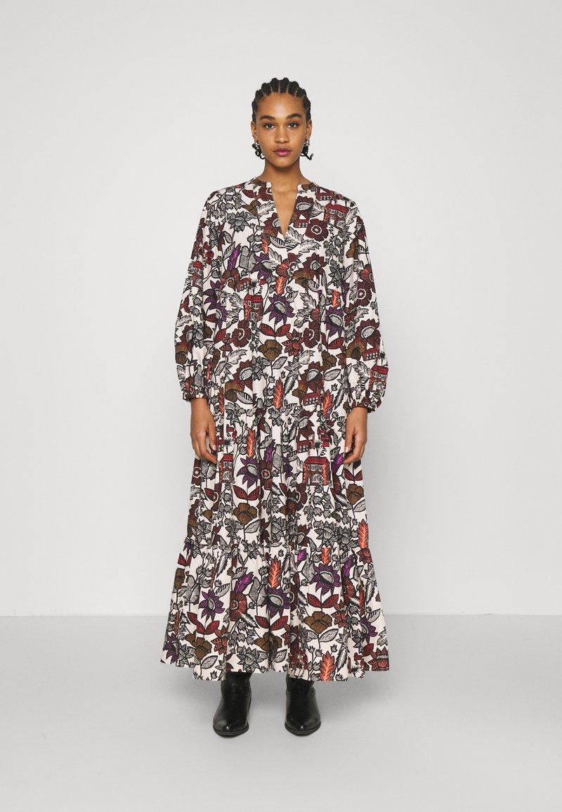 Scotch & Soda - VOLUMINOUS PRINTED ORGANIC DRESS - Denní šaty - white/brown