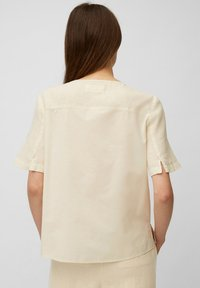 Marc O'Polo - BLOUSE SHORT SLEEVE CHEST POCKET STYLE - Blouse - summer taupe - 5