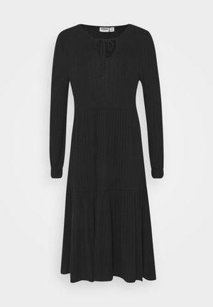 NMINDIGO DRESS - Strikket kjole - black