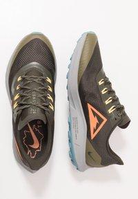 Nike Performance - AIR ZOOM PEGASUS 36  - Vaelluskengät - sequoia/orange trance/medium olive - 1