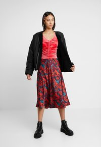 Monki - MAJLI - Long sleeved top - red - 1