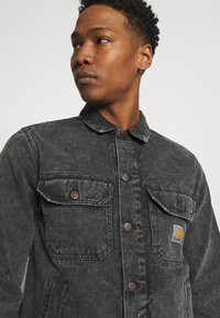 Carhartt WIP - STETSON JACKET PARKLAND - Giacca di jeans - black worn washed - 4