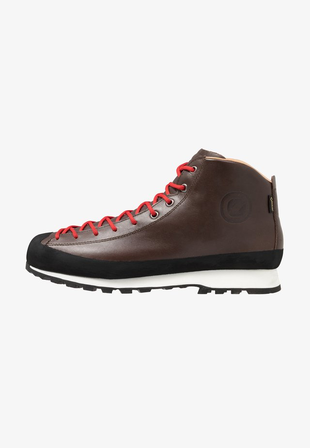ZERO8 GTX - Hiking shoes - brown