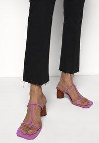 Mother - THE HUSTLER ANKLE FRAY - Jeans Skinny Fit - black - 4
