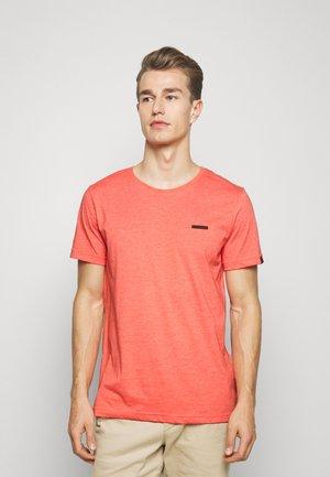 NEDIE - T-shirt basique - coral