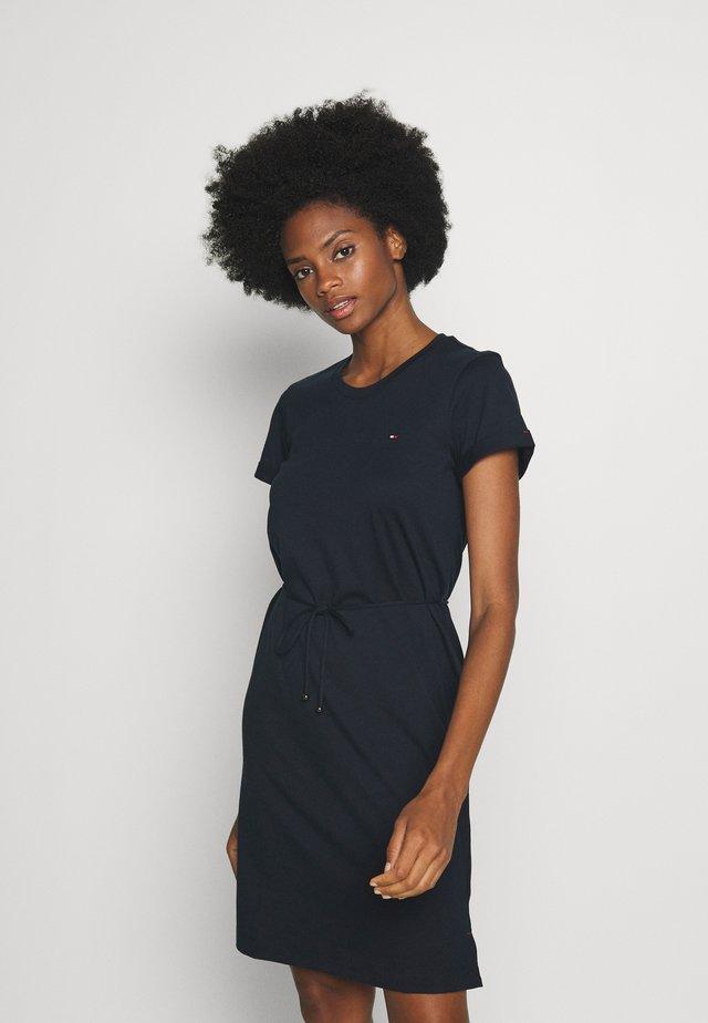 COOL SHORT DRESS - Sukienka z dżerseju - desert sky