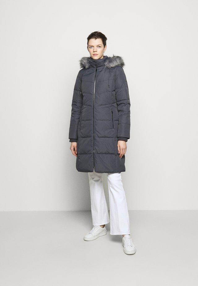 HAND COAT HOOD - Kabát zprachového peří - slate grey