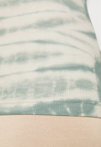 Weekday - STELLA PRINTED TANK - Toppe - dusty green/off-white - 4