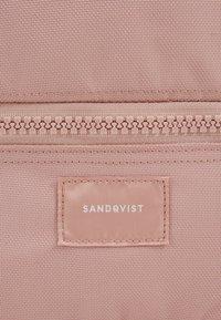 Sandqvist - VERNER - Rucksack - dusty pink - 7