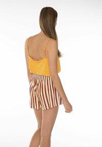Protest - KIKI  - Shorts - brown/copper/off-white - 4