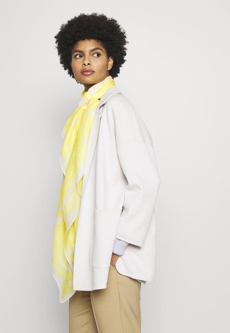 HUGO - TIE DYE SQUARE SCARF - Foulard - pastel yellow