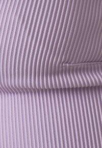 We Are We Wear - REVERSIBLE ANTONIA PLUNGE LONGLINE - Bikini top - pink/purple - 5