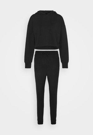 Set - Cropped Hoodie and Jogger - Pantaloni sportivi - black