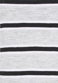 Only & Sons - ONSMELTIN LIFE POCKET TEE - T-shirt print - cloud dancer - 2