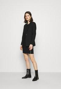 comma - Robe en jersey - black - 1