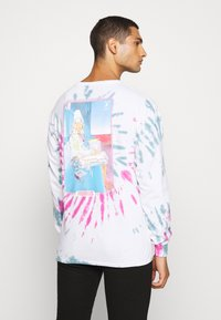 Primitive - STARWATCHER WASHED TEE - Long sleeved top - white - 0