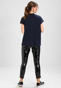Weekday - PRIME - Camiseta básica - navy - 2