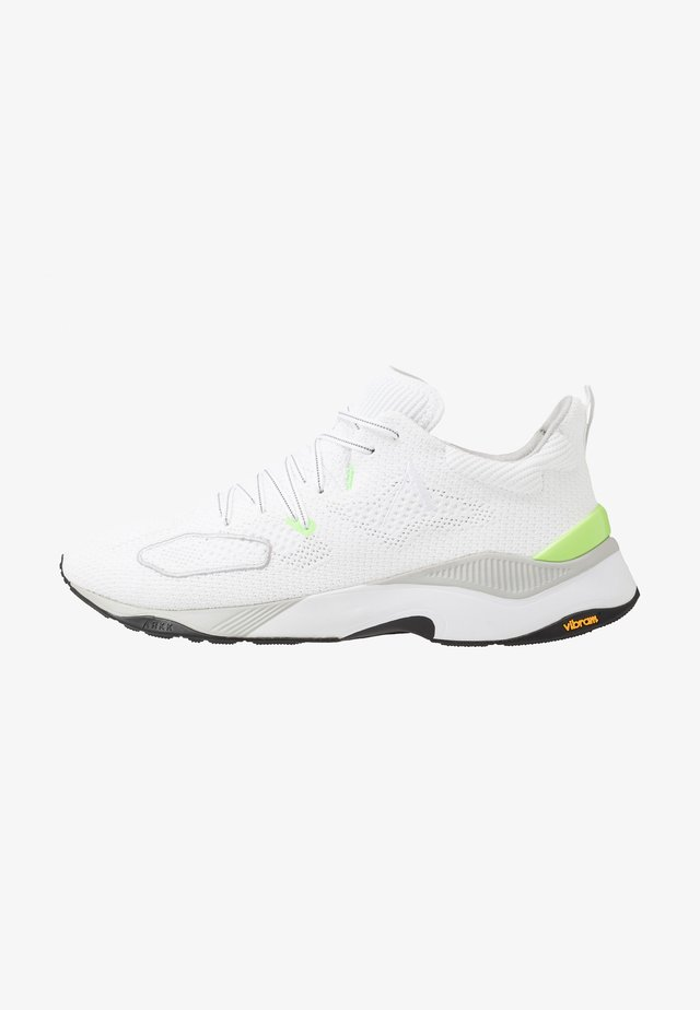 FORTHLINE - Sneakersy niskie - white/vivid green