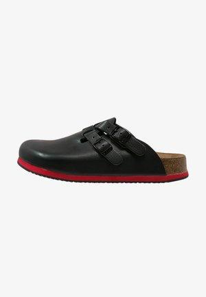 KAY - Slippers - schwarz