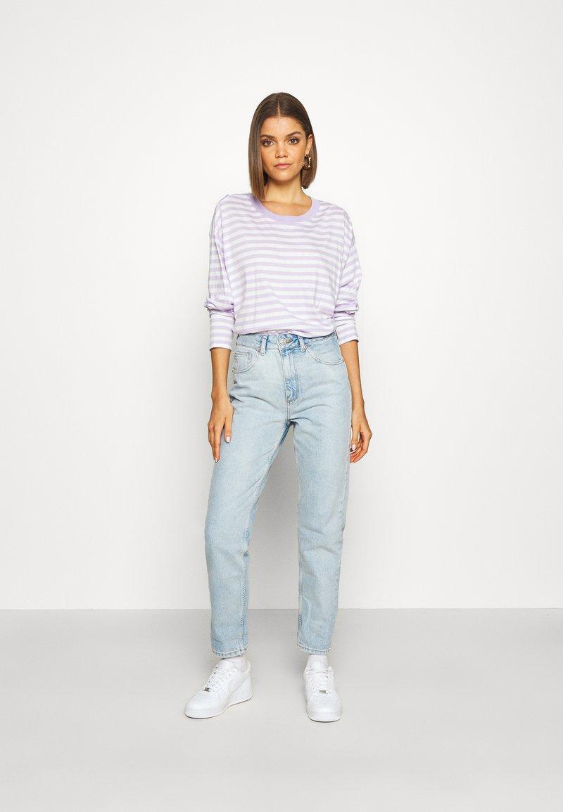 Monki - MAJA 2 PACK - Langærmede T-shirts - lilac/solid white