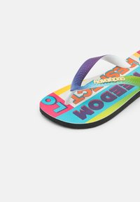 Havaianas - TOP PRIDE RAINBOW UNISEX - T-bar sandals - black - 2