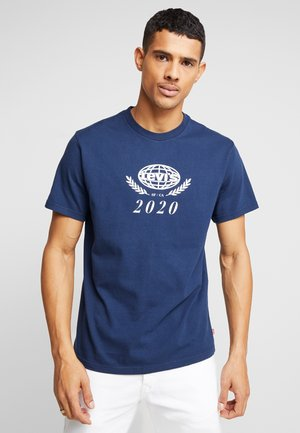 RELAXED GRAPHIC TEE - Triko s potiskem - crest dress blues