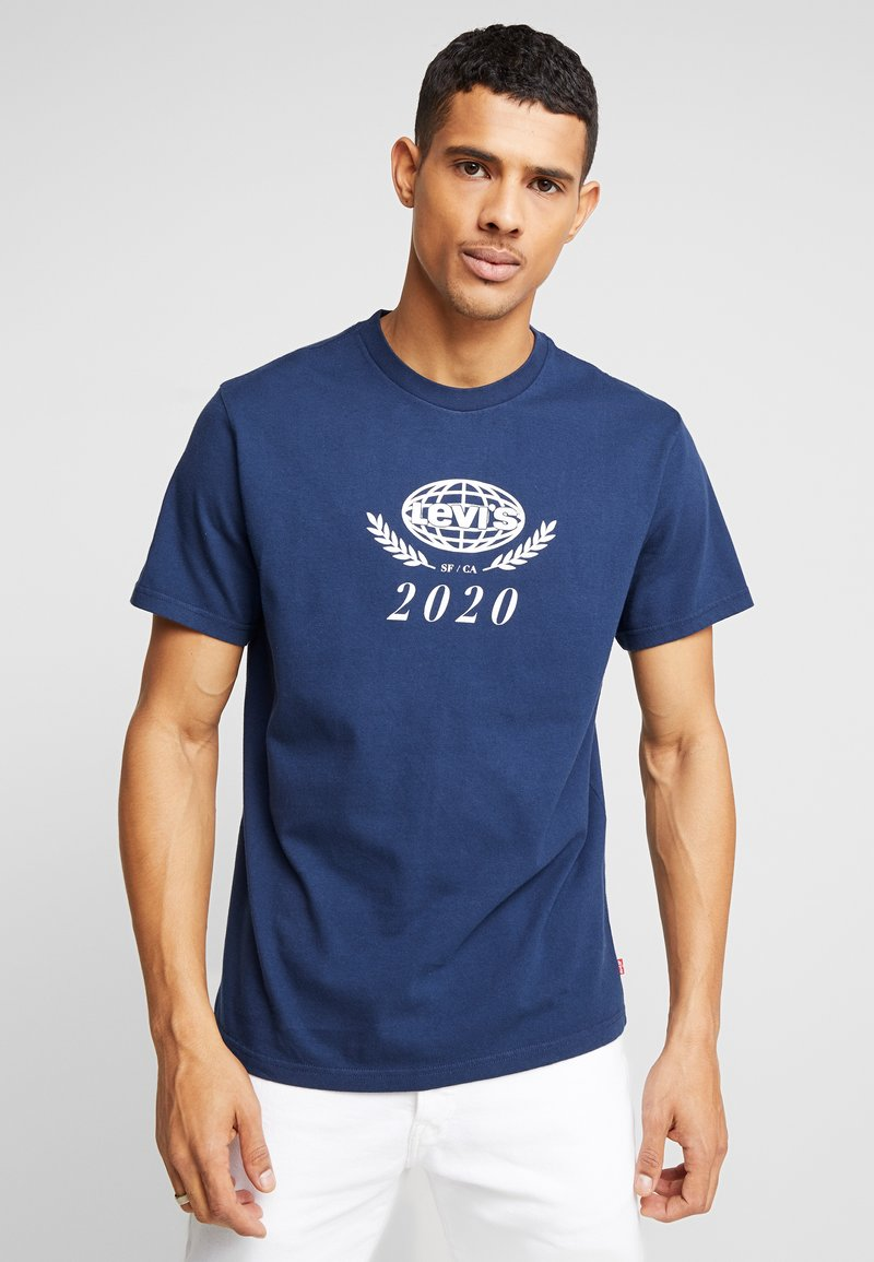 Levi's® - RELAXED GRAPHIC TEE - T-shirts print - crest dress blues