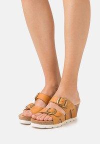 Panama Jack - VALENTINA GRASS - Pantofle na podpatku - vintage - 0