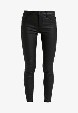 NMKIMMY COATED ANKLE PANTS - Skinny džíny - black