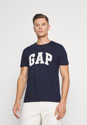 LOGO ARCH - T-shirt med print - tapestry navy