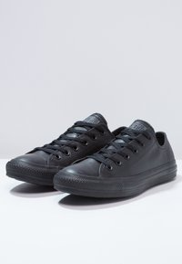 Converse - CHUCK TAYLOR ALL STAR OX - Sneakers laag - black - 2